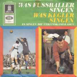 Was Fussballer singen